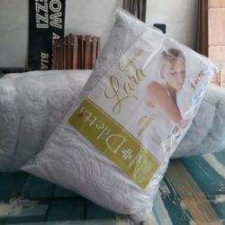 Cuscini trapuntati (una balla di cuscini a €3,90 l'uno)
