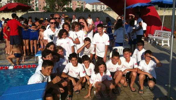 Nuoto 11 ori per il gruppo polisportivo catanzaro for Piscina olimpionica crotone