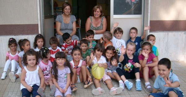 Teresa La Malfa In Pensione Il Saluto Della Scuola Dellinfanzia Di