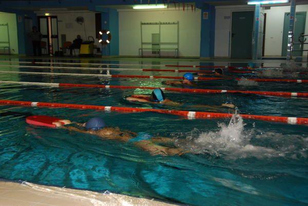 Terza gara di nuoto in piscina a ciro marina - Nuoto in piscina ...