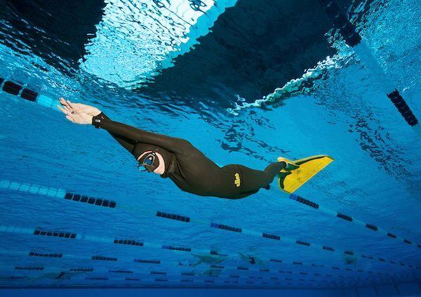 Isola ambiente apnea gara indoor alla piscina di crotone for Piscina olimpionica crotone