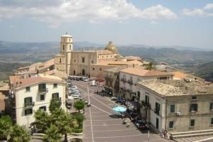 Piazza-Santa-Severina