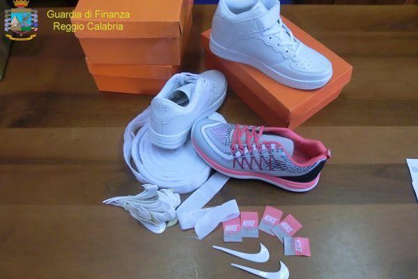 huge selection of 5d056 fd88f prezzi scarpe nike cinesi sito