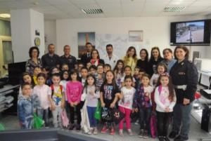 Visita alunni questura Crotone (1)
