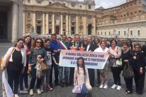 Fedeli di Belvedere Spinello in Piazza San Pietro