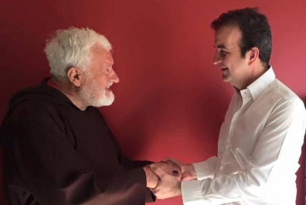 Sindaco Cosenza,padre Fedele assessore