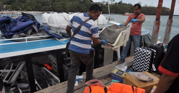 Bali: esplode traghetto turistico, a bordo anche italiani