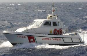 guardia-costiera-esercitazione-antinquinamento-nel-mare-di-corigliano-calabro6