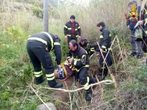disperso-anziano-78enne-ritrovato-dai-vigili-del-fuoco-allinterno-di-un-canneto3