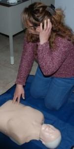 primo-soccorso-con-lutilizzo-del-defibrillatore-a-ciro-marina-11