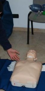 primo-soccorso-con-lutilizzo-del-defibrillatore-a-ciro-marina-47