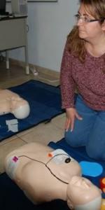 primo-soccorso-con-lutilizzo-del-defibrillatore-a-ciro-marina-68