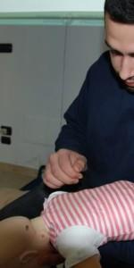 primo-soccorso-con-lutilizzo-del-defibrillatore-a-ciro-marina-92