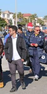 sesto-tuffo-di-capodanno-2017-a-ciro-marina-4