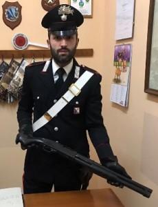 Tenta rapina con un fucile all'ufficio postale di Pallagorio, arrestato