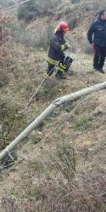 Savelli, Cade palo Enel in cemento, muore un operaio 37enne (1)