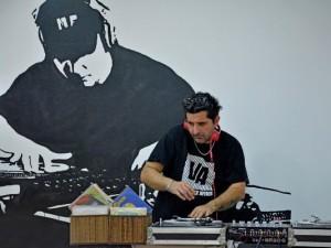 Il Rizziconese DJ Mbato' l'uomo che fa esplodere le piste