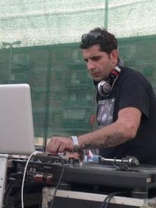 Il Rizziconese DJ Mbato' l'uomo che fa esplodere le piste1