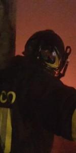 Capannone in fiamme a Isola Capo Rizzuto, uomini e mezzi dei Vigili del Fuoco domano l'incendio (4)