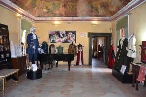 Inaugurazione della mostra Indossare la storia a Santa Severina1