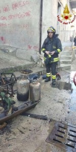 Incendio in una abitazione nel centro storico di Mesoraca (3)