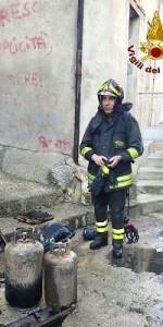 Incendio in una abitazione nel centro storico di Mesoraca (5)
