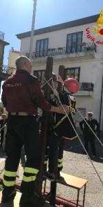 300 bambini pompieri con pettorina, casco ed imbrago, nel percorso della Pompieropoli a Cotronei6