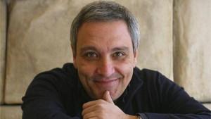 A Maurizio De Giovanni il Premio Caccuri Narrativa 2017
