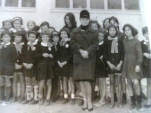Ciro' Marina, composizione poetica dedicata alla maestra Anna Mongiardo, recentemente scomparsa2