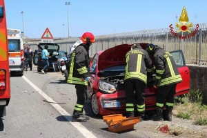 Crotone- incidente stradale sulla statale 106, 3 feriti5