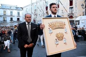 L'Arcivescovo Graziani e Affidato consegnano i Diademi per la Madonna Polacca 2