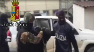 Istigava gli ospiti del Centro Sprar di Crotone a partecipare all'ISIS, Arrestato presunto Terrorista