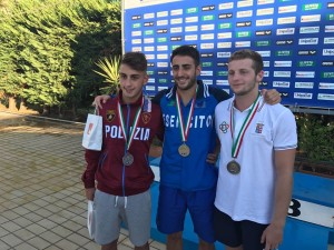 Il podio della finale tuffi assoluti maschili. Francesco Porco (secondo posto), Giovanni Tocci (primo), Lorenzo Marsaglia (terzo)