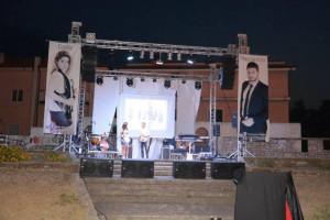 Tornano le feste, il divertimento, nella spaziosa Piazza Condoleo di Scandale (4)