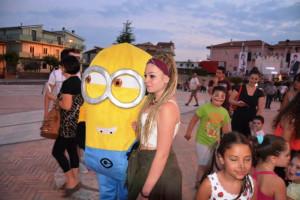 Tornano le feste, il divertimento, nella spaziosa Piazza Condoleo di Scandale (7)