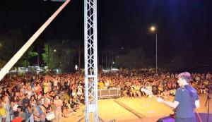 Folla oceanica per la Rino Gaetano band al Festival «Il Federiciano» di Rocca Imperiale (2)