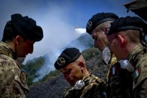 Incendi, Oliverio chiede l'impiego dell'esercito