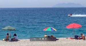 Moto d'acqua fra i bagnanti e guida senza patente, multati dalla Capitaneria di Cirò Marina e Crotone