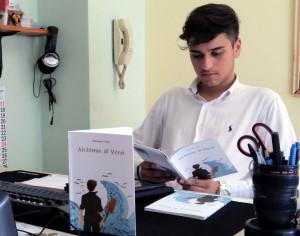 Il primo libro del giovane poeta Giuseppe Cuda di Mandatoriccio