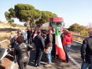 """""""L'Eclatante protesta"""" del primo cittadino di Amendolara ottiene la partecipazione di 20 persone (1)"""