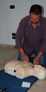 Cirò Marina, Formati 12 operatori di Primo Soccorso Blsd con l'utilizzo del defibrillatore (5)