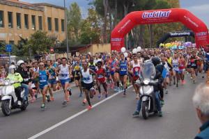 Il crotonese Antonio Carvelli alla XI edizione della Cetilar Pisa Half Marathon (3)