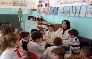Inaugurata giornata a Strongoli il villaggio dei libri della maestra Teresa1