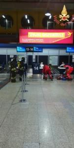 Scoppio simulato di un ordigno all'interno dell'area Check-in dell'Aeroporto di Lamezia Terme (8)