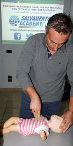 10 nuovi operatori di Primo Soccorso Blsd con l'utilizzo del defibrillatore formati a Cirò Marina (40)