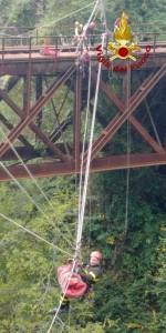 Addestramento dei Vigili del Fuoco su un ponte dismesso delle Ferrovie Calabro Lucane (1)