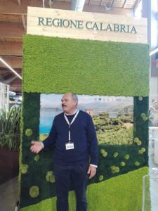 Farinetti in visita allo stand istituzionale della Regione Calabria a FICO