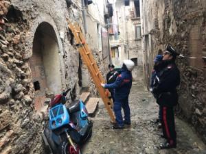 I Carabinieri passano a setaccio la città vecchia di Cosenza, controllate 32 abitazioni (2)