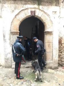 I Carabinieri passano a setaccio la città vecchia di Cosenza, controllate 32 abitazioni (3)