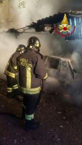 In fiamme le Autovetture di due Parroci a Corazzo di Scandale1